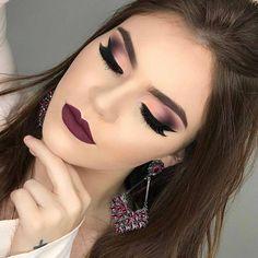 62 Amazing Glitter Makeup Ideas for Women Simple makeup ideas; prom makeup looks. Glitter Makeup, Glam Makeup, Makeup Inspo, Makeup Inspiration, Face Makeup, Makeup Ideas, Makeup Tutorials, Beauty Makeup, Make Up Guide