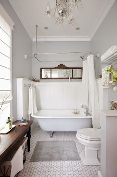 Are You Doing Bathroom Renovation? Try These 3 Farmhouse Bathroom Ideas When you find many problems in your bathroom, it is the time for a bathroom renovation. A farmhouse bathroom style might be a great idea to start with. Bathroom Tub Shower, Tiny House Bathroom, Bathroom Renos, Bathroom Ideas, Bathroom Remodeling, Wainscoting Bathroom, Bathroom Designs, Bathroom Small, Bath Tub
