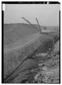 INTERIOR VIEW, SOUTH WALL, 8750 PIT WITH OVERBURDEN BEING REMOVED. - Drummond Coal Company Cedrum Mine, 8750 Pit, County Road 124, Townley, Walker County, AL