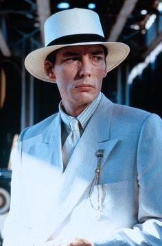 Frank Nitti, the hit-man contractor- body guard-machine gunning ambushing thug... In ALL white no less!