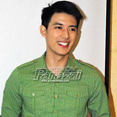 'Di raw mapili sa role, pero… Mike Tan, pass sa paggawa ng gay films! http://www.pinoyparazzi.com/di-raw-mapili-sa-role-peromike-tan-pass-sa-paggawa-ng-gay-films/