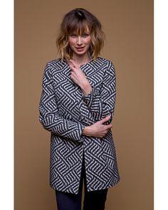 Manteau d'été en jacquard bleu marine : #chic ou #casual selon votre tenue mais toujours #féminin!