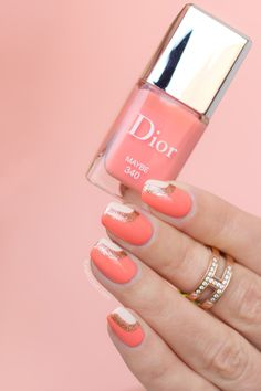 Queen Peach nail design with Dior Maybe