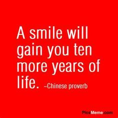 A smile will gain you ten more years of life. My Mind Quotes, Words Quotes, Great Quotes, Me Quotes, Motivational Quotes, Funny Quotes, Inspirational Quotes, Quotable Quotes, Funny Pics