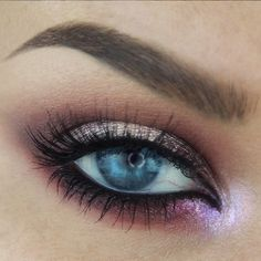 BatALash never ceases to amaze us! Samantha used Makeup Geek Signature Eyeshadow in Cupcake + Makeup Geek Foiled Eyeshadows in Mesmerized, Showtime, and Starry Eyed to create this 'Moody Plum Halo' look.