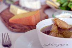 Kraftsuppe Suppenhuhn. Rezept für eine kräftigende Hühnersuppe. Cantaloupe, Fruit, Food, Soups And Stews, Stew, Juice, Fast Recipes, Essen, Meals
