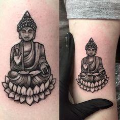 Creative tattoos : small buddha tattoo by tess at divine ink half sleeve designs buddhist symbols ideas zen buddhist tattoo ideas Trendy Tattoos, Love Tattoos, Beautiful Tattoos, New Tattoos, Tattoos For Guys, Phoenix Tattoos, Serotonin Tattoo, Tattoo Fails, Ganesha Tattoo Lotus
