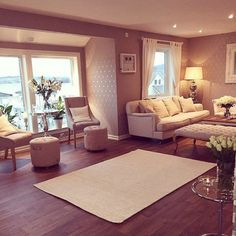 Inspiration for a bedroom sitting room