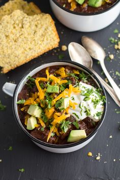Big Time Jalapeño Lime Black Bean Texas Chili by Tieghan at Half Baked Harvest. Love this as a game day crowd-pleaser! Chili Recipes, Soup Recipes, Cooking Recipes, Mexican Recipes, Dinner Recipes, Mexican Dishes, Fall Recipes, Asian Recipes, Crockpot Recipes