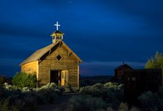 You& never forget a trip to this fascinating hidden gem in Oregon. Oregon Road Trip, Oregon Travel, Road Trips, Abandoned Buildings, Abandoned Places, Historical Society, Ghost Towns, Summer Sun, Solo Travel