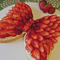 Ihana Marttojen Marjaperhonen-kakku! http://www.martat.fi/ruoka/reseptit/marjaperhonen/