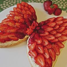 Butterfly Cakes, Something Sweet, Let Them Eat Cake, Cake Decorating, Decorating Ideas, Waffles, Almond, Strawberry, Fish