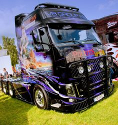 Amazing artwork on this Norwegian FH at the Elmia Truck Show, Sweden