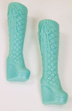 How fun right? Quilted look high boots with platform wedges and bows on side. Should fit all Barbies.