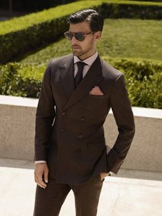 To look like a modern dandy, consider teaming a dark brown double breasted blazer with dark brown dress pants. Suit Up, Suit And Tie, Sharp Dressed Man, Well Dressed Men, Wedding Men, Wedding Suits, Wedding Groom, Gq, Suit Fashion