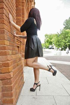 Kenneth Cole NY - Sandałki Open Tier czarne. http://www.raspberryheels.com/shop/produkt,pl,women,open-tier-sandal-black.html