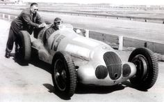 At the start of Grand Prix racing was dominated by French and Italian marques. Nothing could win against Bugatti, Alpha Romero and Maserati. Diesel Punk, Racing Car Images, Classic Race Cars, Daimler Benz, Tazo, Classic Mercedes, Mercedes Car, Vintage Race Car, Rally Car