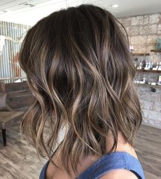 Girls street style hair where to go where to shoot – Hairstyle Brown Hair With Blonde Highlights, Brown Ombre Hair, Brown Hair Balayage, Bayalage, Brown Hair Colors, Hair Highlights, Balayage Lob, Short Balayage, Golden Brown Hair