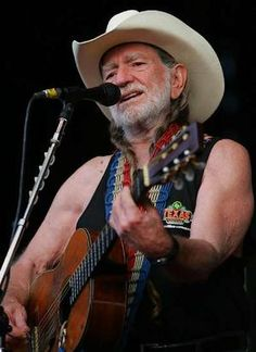 willie in concert.  check!