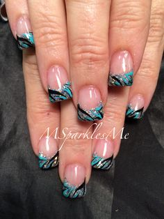 Zebra nails http://hubz.info/nail-arts