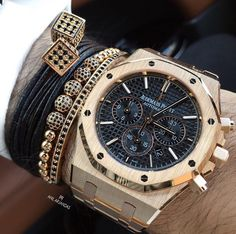 This watch and the bracelets 👍🏽 Audemars Piguet Royal Oak Chronograph Pink Gold Amazing Watches, Beautiful Watches, Cool Watches, Watches For Men, Audemars Piguet Watches, Audemars Piguet Royal Oak, Men's Accessories, Luxury Watches, Rolex Watches