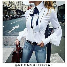 "Rayssa - Consultoria Feminina on Instagram: ""Despojada e ao mesmo tempo clássica. Saia do lugar comum! Ouse!✨"""