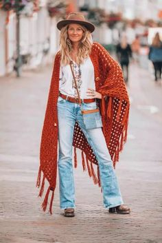 bohemian style crochet Bohemian Fall Fashion, Tribal Fashion, Bohemian Style, Autumn Fashion, Bohemian Outfit, Bohemian Lifestyle, Vintage Bohemian, Hippie Style, Hippie Outfits