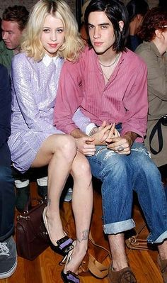 I love Peaches' style in this photo. Such a cute couple.