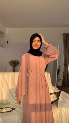 Modest Fashion Hijab, Modesty Fashion, Abaya Fashion, Fashion Dresses, Mode Abaya, Mode Hijab, Muslim Women Fashion, Hijab Fashion Inspiration, Niqab