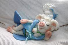 Deko-Objekte - gefilzte Schweinerei, Dörthe im Neglige - ein Designerstück von fraubrunselsfilz bei DaWanda