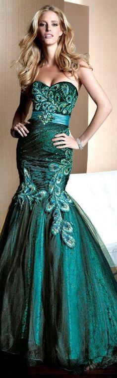 Alyce Paris couture 2013 ~ perfect details......