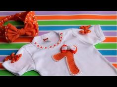 BODY DE MESVERSARIO BORDADO EM PEROLAS E TURBANTE DE TECIDO - YouTube Body Minnie, Kit Bebe, Blog, Clothes, Youtube, Fashion, Baby Bodysuit, Personalized Baby, Baby Art Crafts