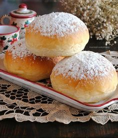 Bomboloni al forno Cooking Chef, Cooking Time, Italian Desserts, Italian Recipes, Sweet Recipes, Cake Recipes, Bolos Low Carb, Croissant Recipe, Cocktail Desserts