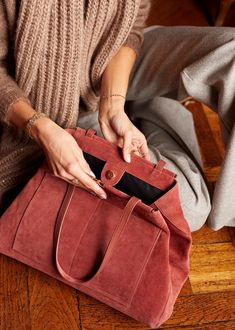 Radley, Looking Gorgeous, Winter Collection, Fashion Handbags, Travel Bags, Peace And Love, Beauty Women, Bucket Bag, Lounge Wear