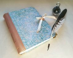 Tyrkysovy zápisník A5 s koženým chrbtom a zavazovanim satenovou stuhou na želanie / handmade notebook with leather back #ardeas #leather #paper #bookbinding #bookbinder #handmade #notebook #flowers #quill #feather #ink