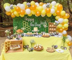 Happy Bee Day Leah Ive been wanting to use a greenery backdrop for a while and what better use for it than a bee themed party. 1st Birthday Themes, First Birthday Photos, Baby Girl Birthday, 1st Birthday Parties, Birthday Ideas, Bee Gender Reveal, Bee Party, Party Fun, Baby Shower