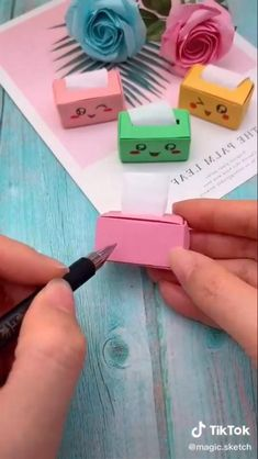 Diy Crafts Hacks, Diy Crafts For Gifts, Diy Home Crafts, Diy Arts And Crafts, Jar Crafts, Crafts For Kids, Cool Paper Crafts, Paper Crafts Origami, Diy Paper