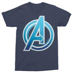 Marvel rajongó vagy?!😍 Csekkold le a pólóinkat a weboldalon   #bosszúállók #kedvenc #best #ajándék #ajándékötlet #amerikakapitány #pókember #vasember Buick Logo, Avengers, Polo, Marvel, Mens Tops, T Shirt, Products, Supreme T Shirt, Polos