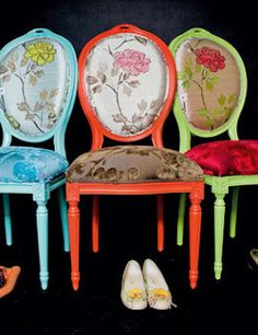 Sillas en Colores Funky Furniture, Colorful Furniture, Painted Furniture, Funky Chairs, Colorful Chairs, Dining Chair Makeover, Furniture Makeover, Chair Upholstery, Upholstered Chairs