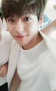 BTOB Minhyuk ~ in the past, present and future, I love you forever (예지앞사) Btob Lee Minhyuk, Sungjae Btob, Im Hyunsik, Like A Mom, Cube Entertainment, K Idols, South Korean Boy Band, Monsta X, Korean Actors