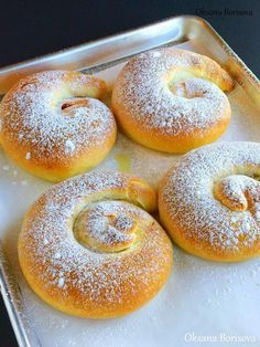 """Всем добрый день! Сегодня я напишу рецепт вкуснейших испанских булочек 'Ensaimadas"""" . Очень советую приготовить! Для теста: 300 г мук..."""