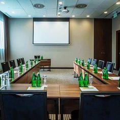 #boardroom #conferenceroom #meetingspace #hotellife #hotel #highstandard