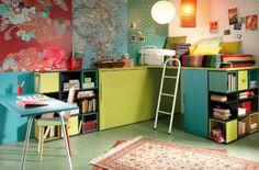 kids room cama elevada sobre cama abatible con patas y zona de estudio, espacio para jugar www.moblestatat.com horta guinardó barcelona