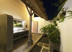 Outdoor Bathroom - Damai Manis villas in Seminyak, Bali