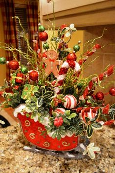 212 best christmas decorating images in 2019 christmas ornaments rh pinterest com