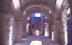 HiPuglia! | La piccola chiesa sotterranea di San Martino a Trani http://www.hipuglia.it/chiesa-di-san-martino/