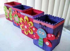 Diy wood crafts for kids popsicle sticks 38 Super ideas Ice Cream Stick Craft, Popsicle Stick Art, Popsicle Crafts, Craft Stick Crafts, Kids Crafts, Easy Crafts, Diy And Crafts, Arts And Crafts, Craft Sticks