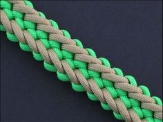 How to Make the Jagged Zipper Sinnet (Paracord) Bracelet by TIAT - YouTube