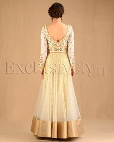 love the back of the Anarkali, white and gold anarkali dress suit Indian Anarkali, Anarkali Dress, Pakistani Dresses, Indian Dresses, Indian Outfits, Lehenga, Indian Attire, Indian Ethnic Wear, Indian Style