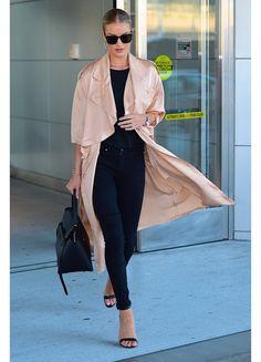 Kendall Jenner en fourreau Vivienne Westwood à Washington, Sofia Coppola en Louis Vuitton à Tokyo, Rosie Huntington-Whiteley en robe Brandon Maxwell à L.A... Revue en images des meilleurs looks de la semaine, repérés sur les red carpet du monde entier.